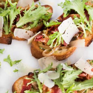 Caramelized Onion and Bacon Crostini