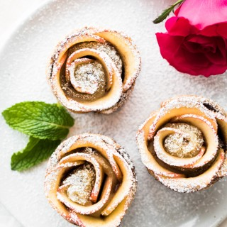 Nutella Apple Roses with Puff Pastry. Makes for an elegant and delicious breakfast or brunch. Perfect for Valentine's Day and Mother's Day!